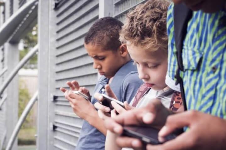 Internet x Escola Sem Partido