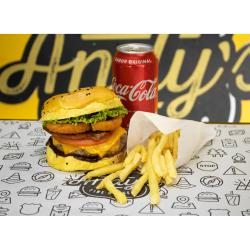 COMBO - Mustang + Fritas ou Onion Rings + Refrigerante lata ou Suco Lata  Andys Fine Burgers