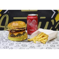 COMBO - Kansas + Fritas ou Onion Rings + Refrigerante lata ou Suco Lata Andys Fine Burgers