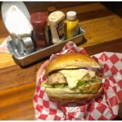 COMBO CHEF 'BETO' POLLO Homes Burger