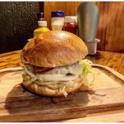 COMBO BAVARIA A LA 'BETO' Homes Burger