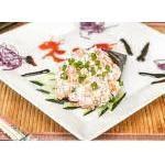 Temaki Toyo Especial  Salmão Alho Poro e Crisp de Batata Doce. Toyo Cozinha Oriental