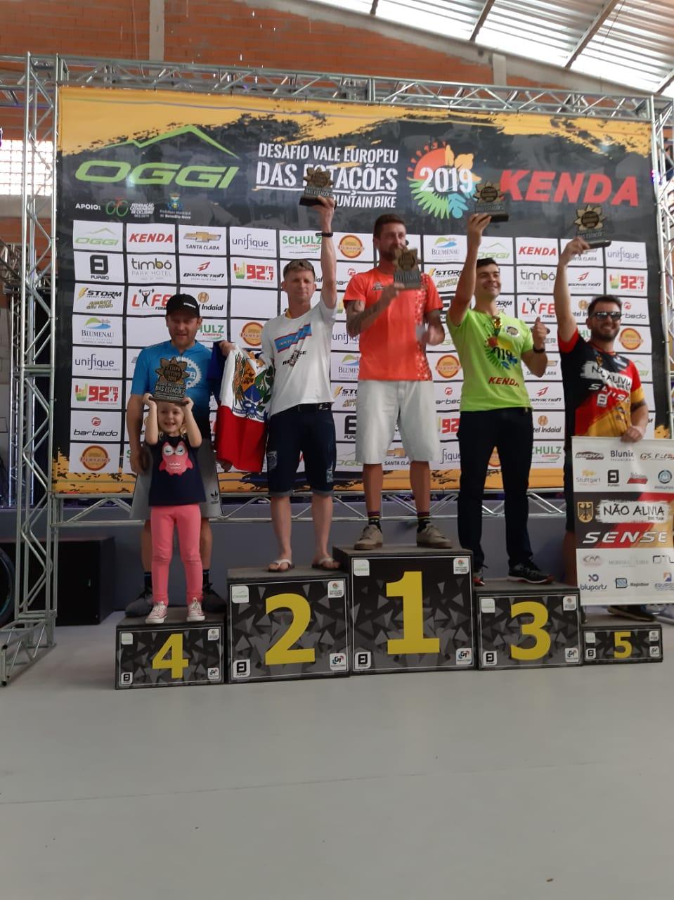 Atleta de ciclismo de Siderópolis conquista segundo lugar em competição