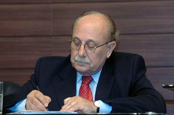Governador decreta luto oficial pelo falecimento de Walmor de Luca