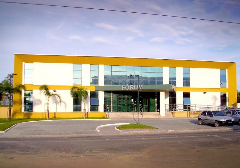 Ex-prefeito de Pescaria Brava é condenado por aquisição irregular de imóvel