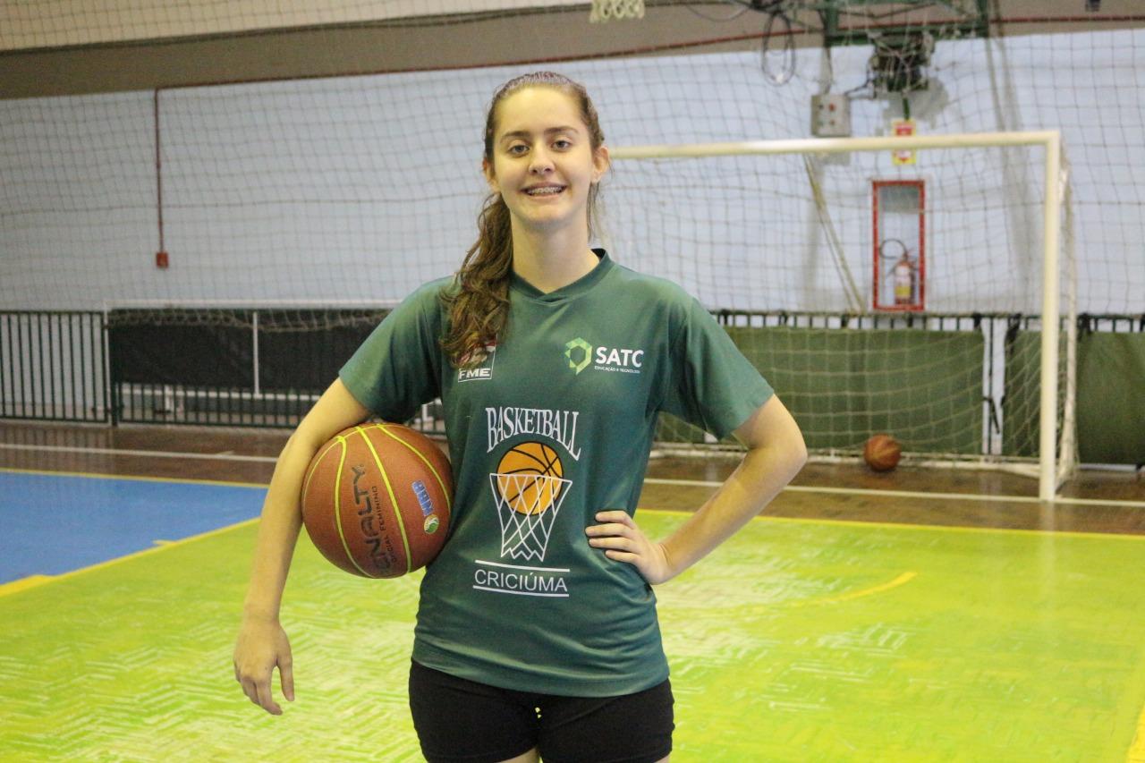 Atleta de basquete Satc/FME é convocada para Seleção Brasileira