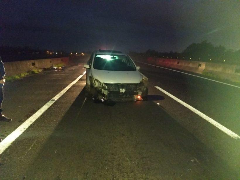 Dois ficam feridos após colisão em mureta na BR-101