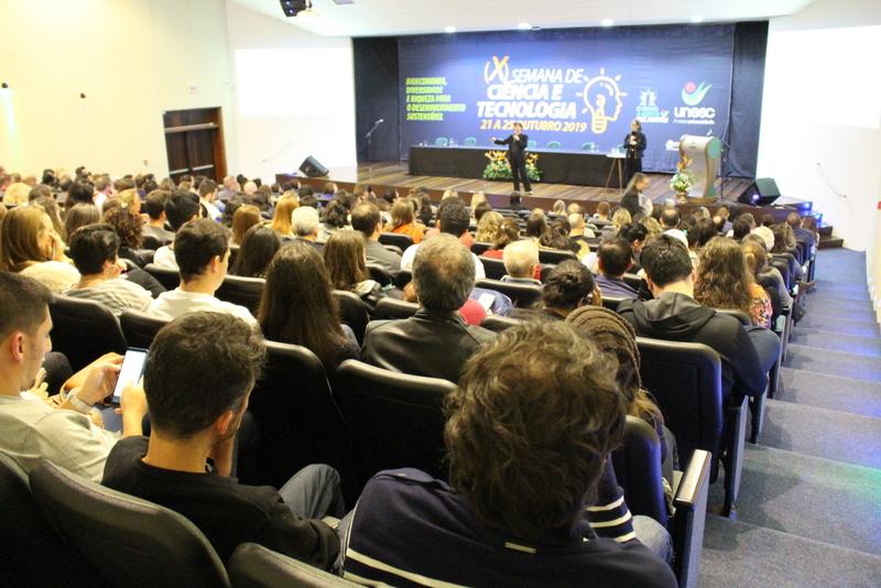 10ª Semana de Ciência e Tecnologia da Unesc é lançada com palestra de diretora da Capes