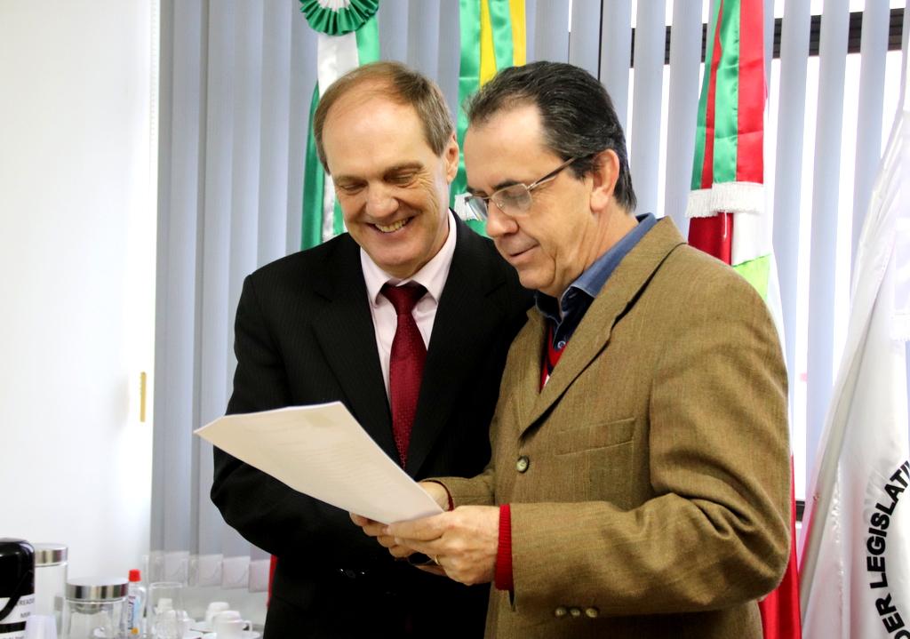 Moacir Dajori reassume cargo no Legislativo