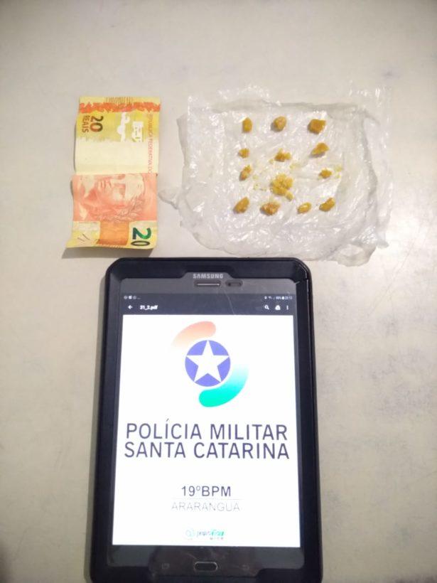 Homem é preso por tráfico de drogas em Araranguá