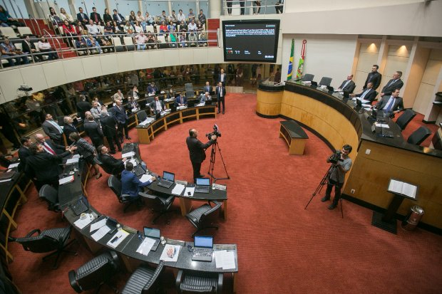 Assembleia Legislativa aprova por unanimidade projeto de lei que institui a Reforma Administrativa