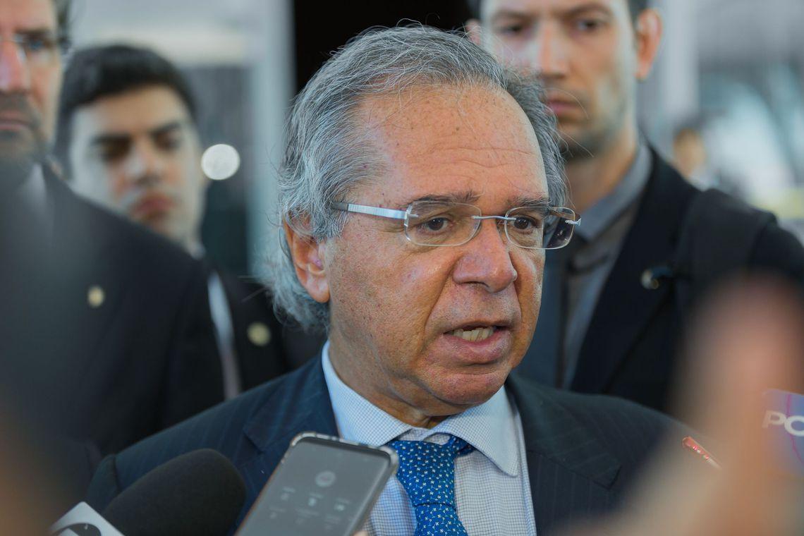 Governo estuda liberar saques em contas ativas do FGTS
