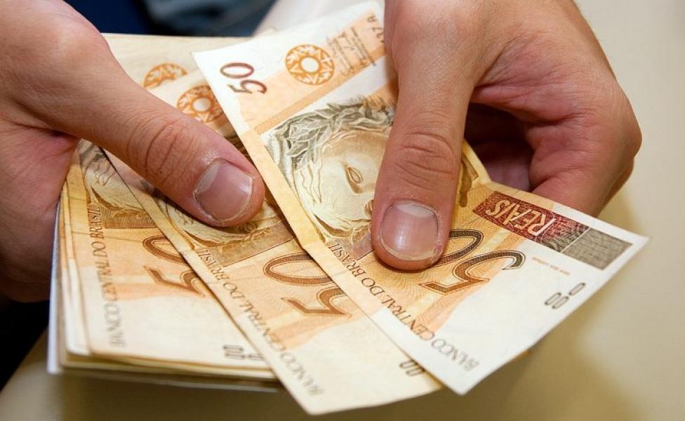 Governo de SC sanciona reajuste do salário mínimo regional