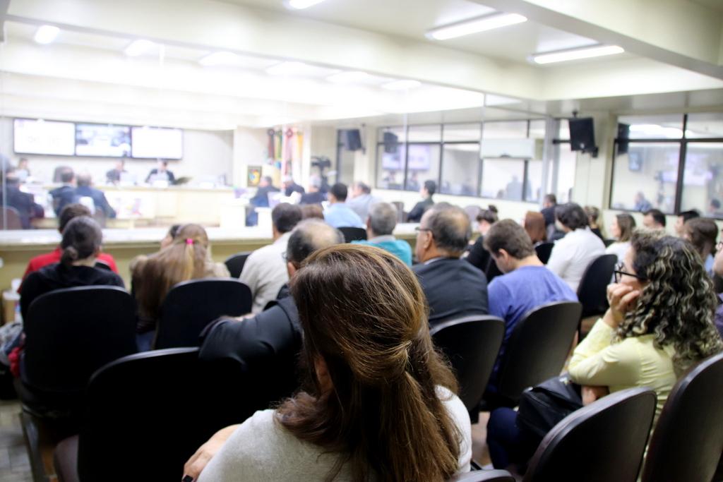 Cortes de verbas na educação são questionados no Governo Federal