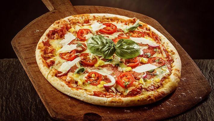 No dia da pizza, aprenda a fazer uma pizza sem glúten e sem lactose