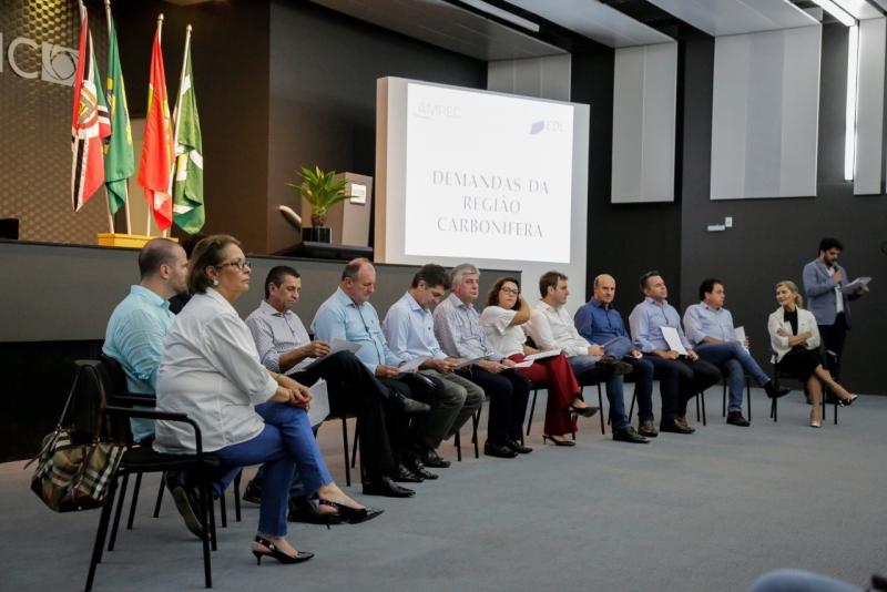 Prioridades de Criciúma e região são entregues aos deputados da Bancada do Sul