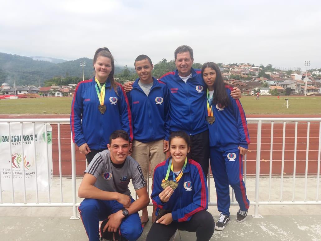 Delegação de Nova Veneza conquista seis medalhas no Campeonato Estadual de Atletismo