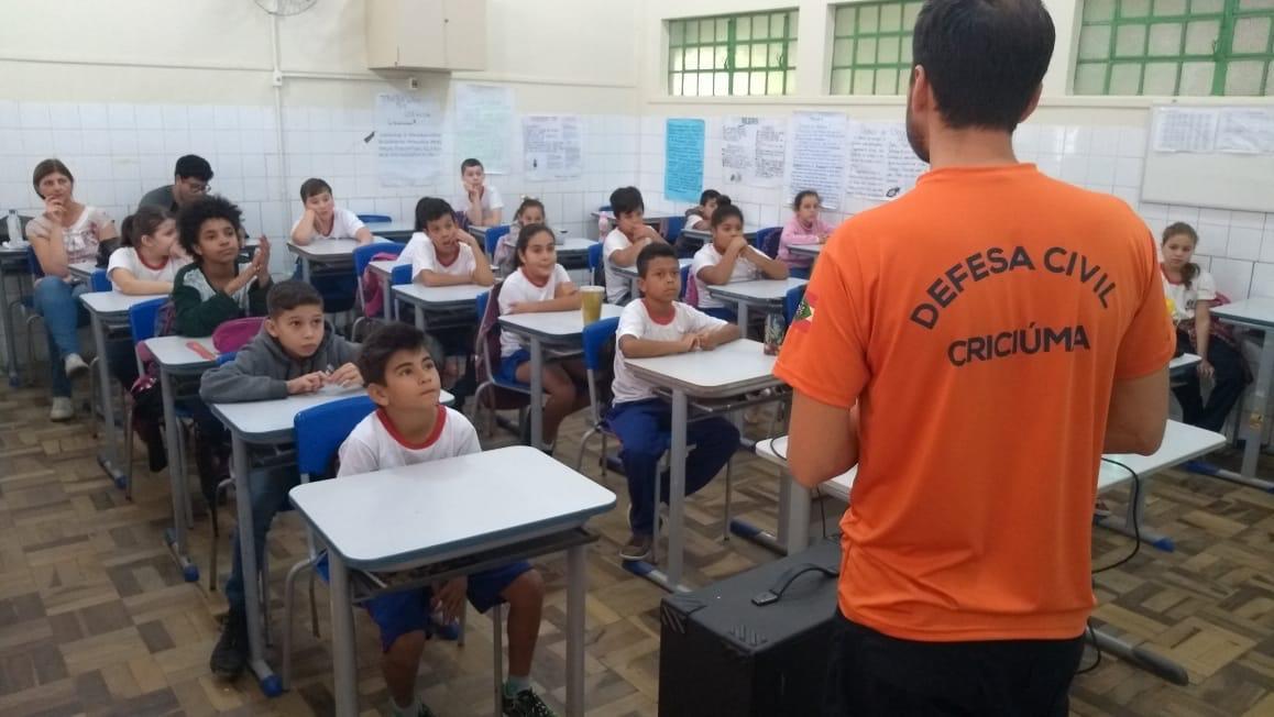Projeto Defensor da Vida é realizado em escolas municipais