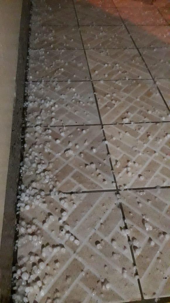 Chuva de granizo é registrada na região