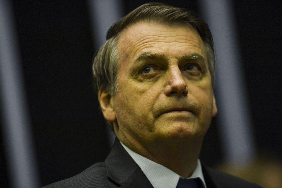 Celular de Bolsonaro foi alvo da ação de hackers, afirma ministério