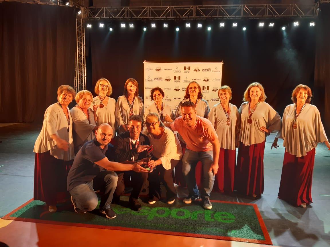 Idosas de Criciúma conquistam terceiro lugar na Dança Livre no Jasti