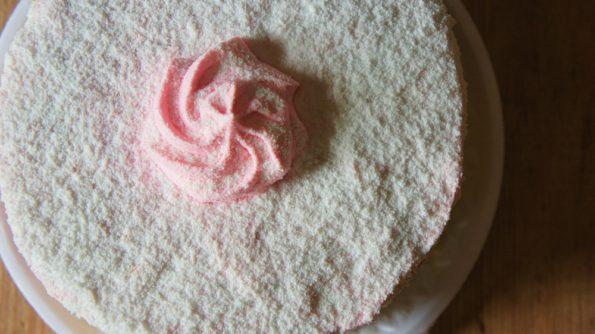 Receita de Naked Cake com Recheio de Morango e Leite Condensado
