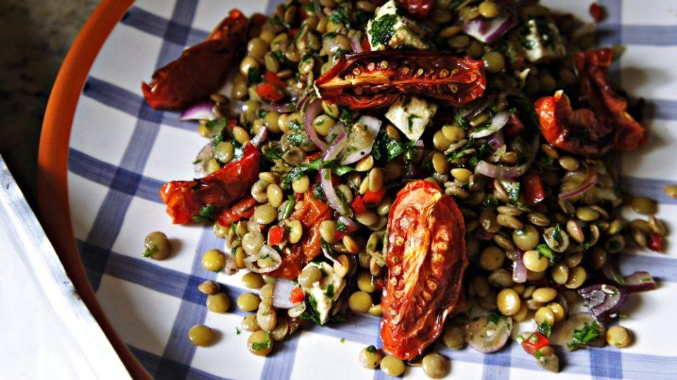 Receita de Salada de Lentilha e Tomate Assado