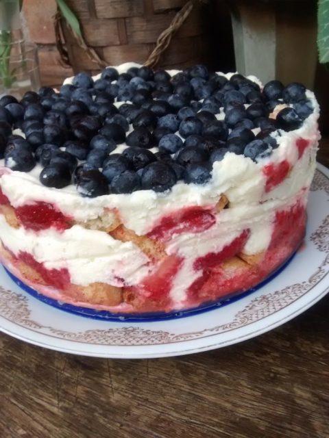 Receita de Torta de Mirtilo e Morango