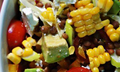 Receita de Salada Colorida com Abacate