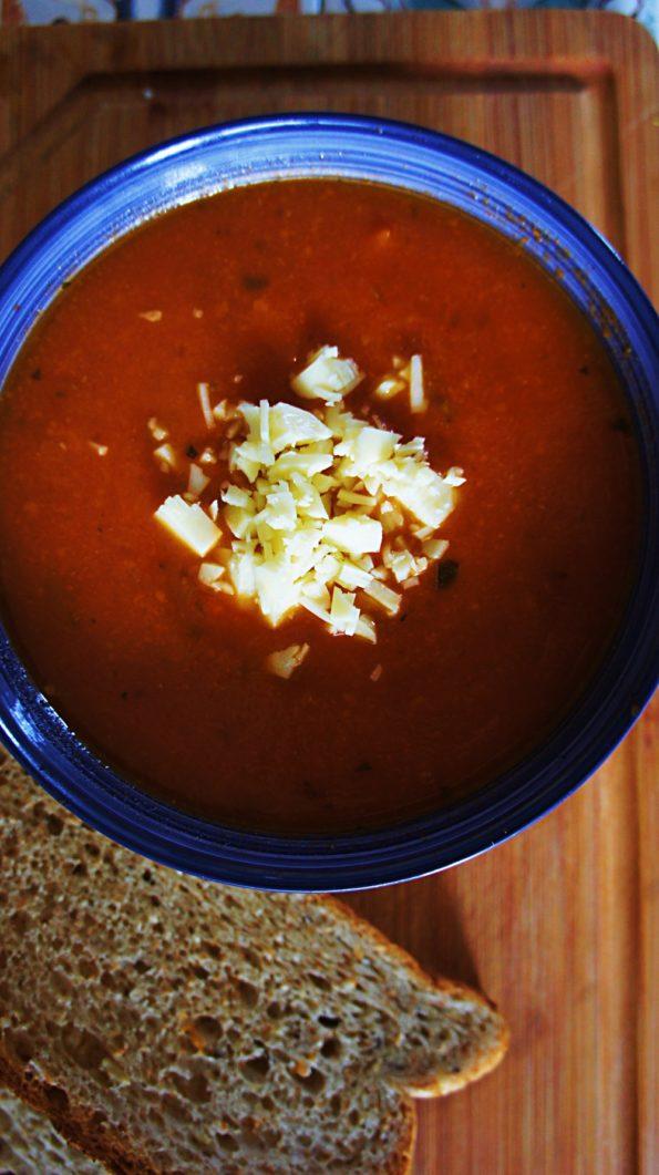 Receita de Sopa de Tomate com Queijo Mussarela