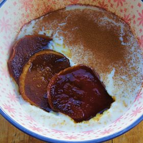 Receita de Mingau de Aveia com Pera Caramelada