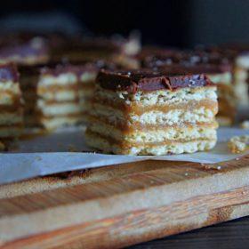 Receita de Quadradinhos de Caramelo com Ganache de Chocolate (Dani Noce)