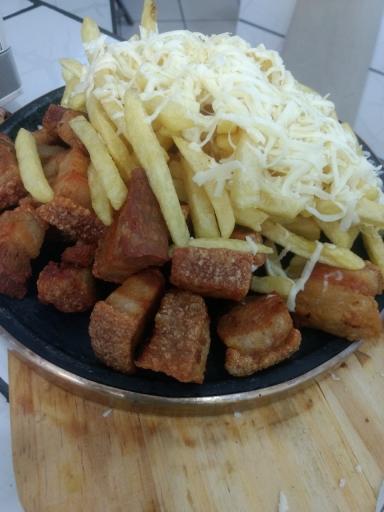 Porcão de Torresmo Com Fritas e Queijo