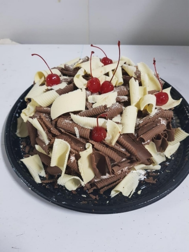Torta Ninho e Abacaxi 1KG