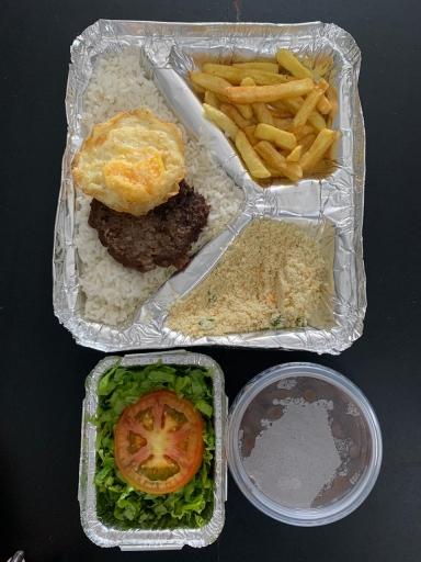 Burguer C/ Ovo Frito -Arroz, Feijão, Farofa, Fritas e Salada