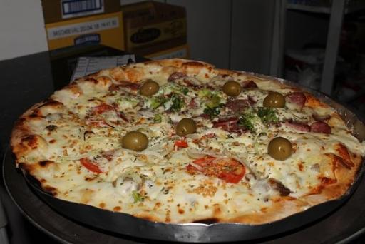 Pizza Média À Moda do Cliente