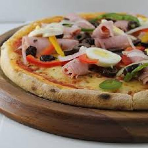 Pizza Pequena Portuguesa