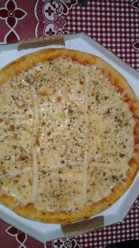 06- Pizza Grande Quatro Queijos