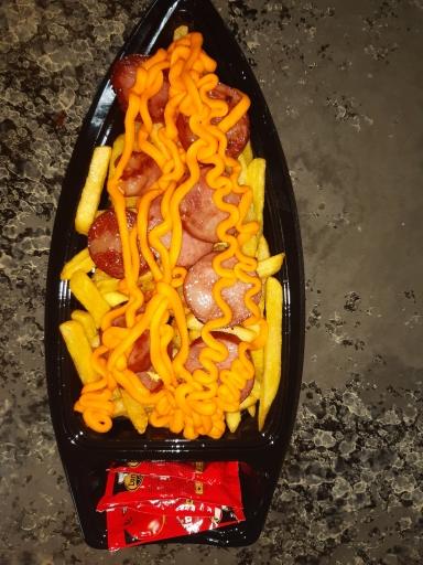 Barca Indivudal Batata Frita Cheddar e Calabresa