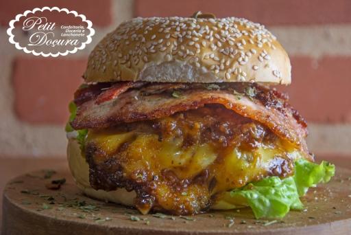 Cross Big Big Burger  -Exclusivo Deliveryon