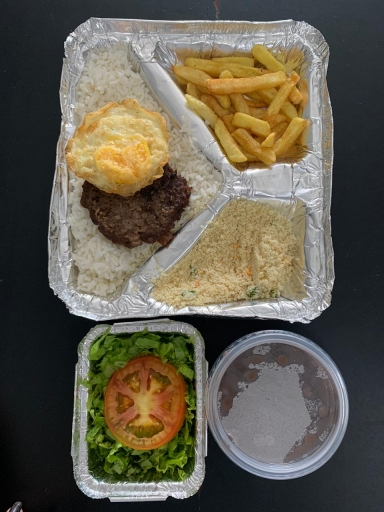 Hamburger Com Ovo Ex- Arroz, Feijão, Fritas, Farofa e Salada
