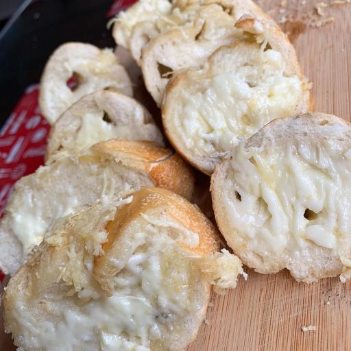 Porção Pão de Alho Sabor Na Brasa (2 Pães)