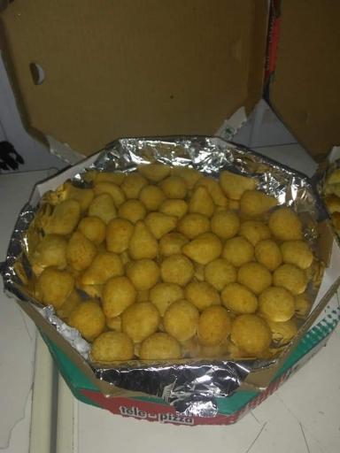 100 Salgadinhos Fritos + Grátis 10 Assados Ou Mini Churros