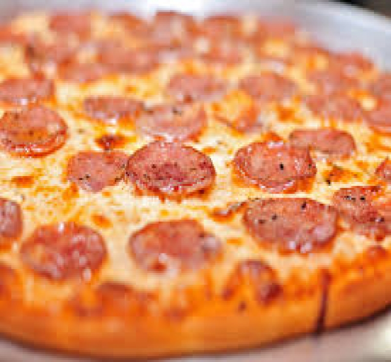 Pizza Familia Calabresa + 1 Pizza Família + Kuat