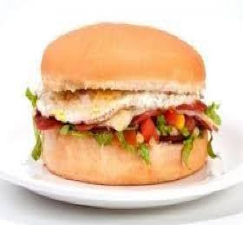 X Egg Frango Salada