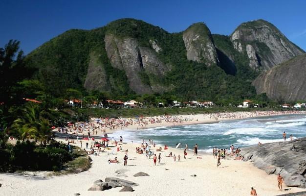 Praia de Itacoatiara em Niterói, Rio de Janeiro.