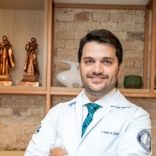 Leonardo Marques Calazans - Urologista Salvador