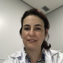 Indira Esteves - Nefrologista Lauro de Freitas