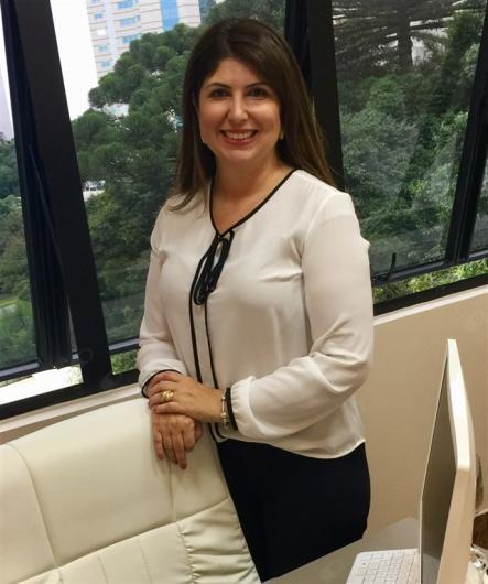 Viviane Lucci Busnardo