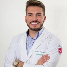 Johnny Fernandes, Dentista Maricá